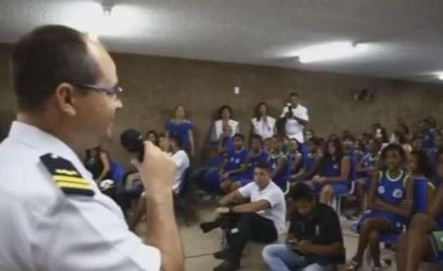 RJ: militares vão à escola para informar alunos sobre dengue