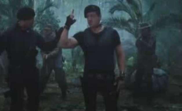 """Stallone e Schwarzenegger estão fora de """"Os Mercenários"""""""
