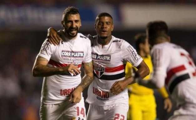 Atacantes marcam, São Paulo bate o Avaí e se reabilita no Brasileiro