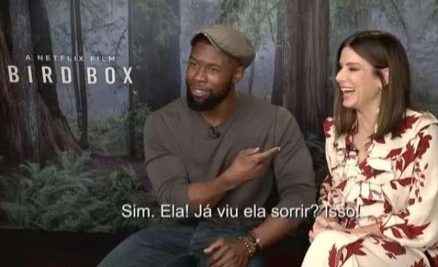 Sandra Bullock se diverte durante passagem pelo Brasil