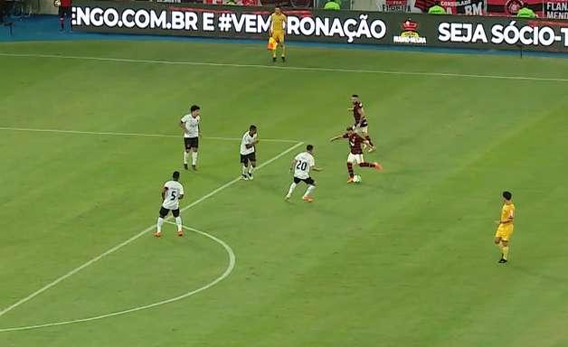 Veja os gols da vitória do Flamengo sobre o Athlético-PR