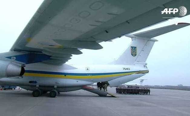 Corpos de vítimas de queda de avião chegam à Ucrânia