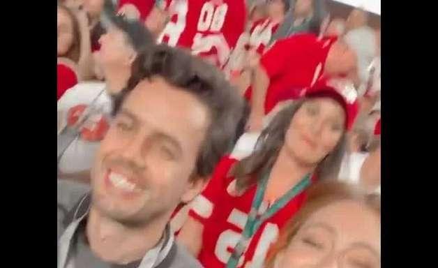 Marina Ruy Barbosa curte Super Bowl com marido e vibra em show de Shakira e J.Lo