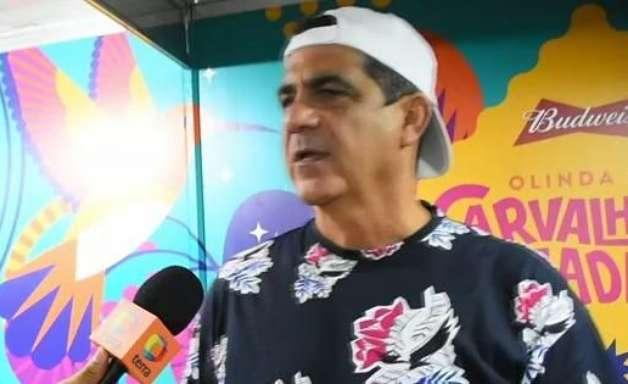Anitta representa bem o Brasil como um todo, diz Durval
