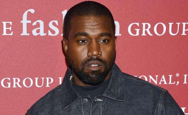 Para protestar, Kanye West urina em Grammy