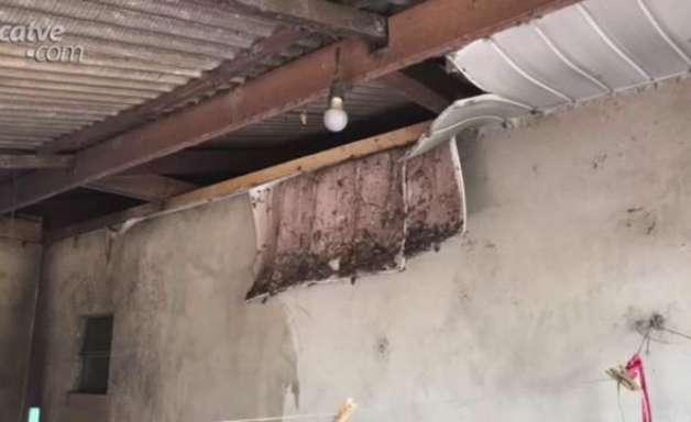 Vizinhos controlam incêndio em uma casa no Bairro Interlagos em Cascavel