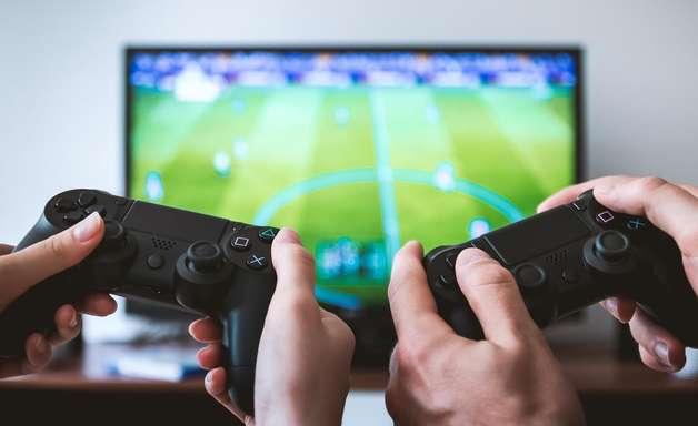 Ligas de futebol apostam alto nos eSports