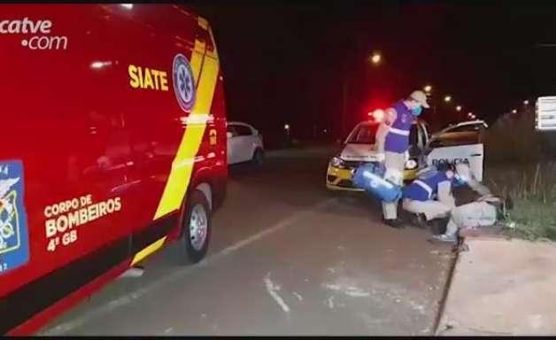 Policiais militares encontram homem caído na Rua Expresso Norte