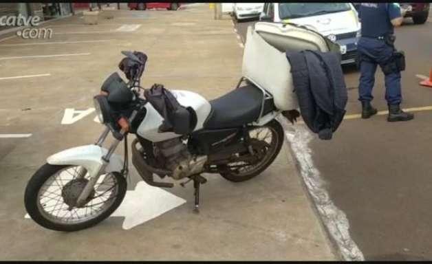 Motociclista fica ferido após frear para evitar batida em Toledo