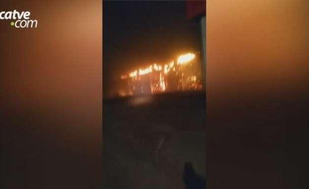 Incêndio de grandes proporções atinge canteiro de obras da Frimesa em Assis