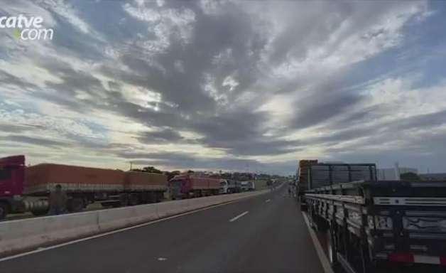 Movimentação de caminhoneiros é registrada na BR-467 em Cascavel