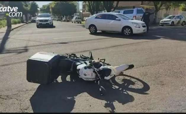 Motociclista de 40 anos fica ferido em acidente de trânsito no Bairro São Cristóvão