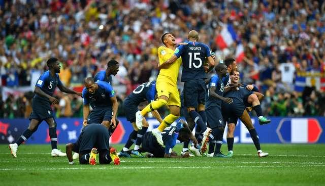 fc-22-reuters-dylan-martinez-franceses COPA DO MUNDO: FRANÇA É A DONA DO PLANETA BOLA Esportes