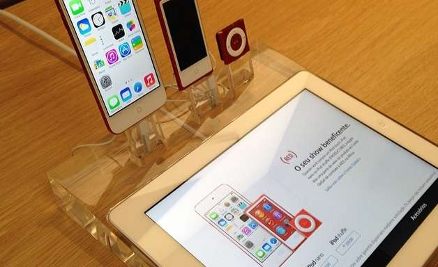 Apple reduz preço de celular no Brasil em até R$ 600