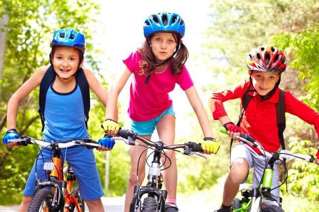 Pessoas entre 5 e 18 anos devem ter, ao menos, uma hora de atividade moderada a vigorosa por dia