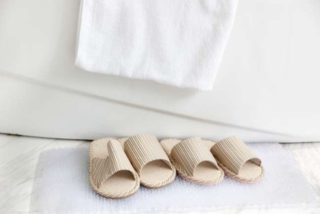Com pisos térmicos elétricos ou hidráulicos, sair do banho no inverno fica ainda mais fácil do que com tapetinho e chinelinho