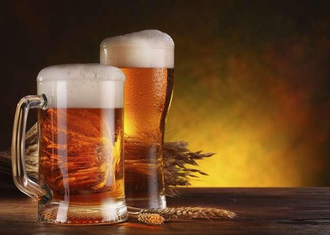 O lúpulo, encontrado na cerveja, tem ação anti-inflamatória e diversos benefícios para a saúde