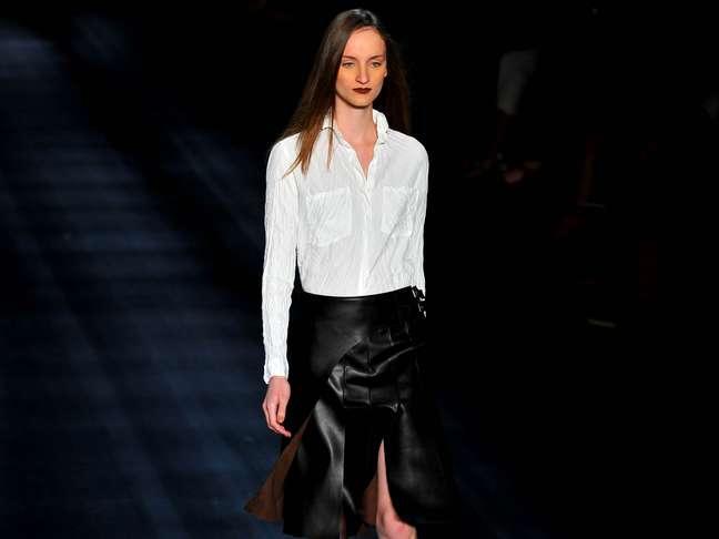 A grife, que se consolidou pela alfaiataria sofisticada combinada com o despojamento do sportwear, tem como marca a versatilidade dos looks