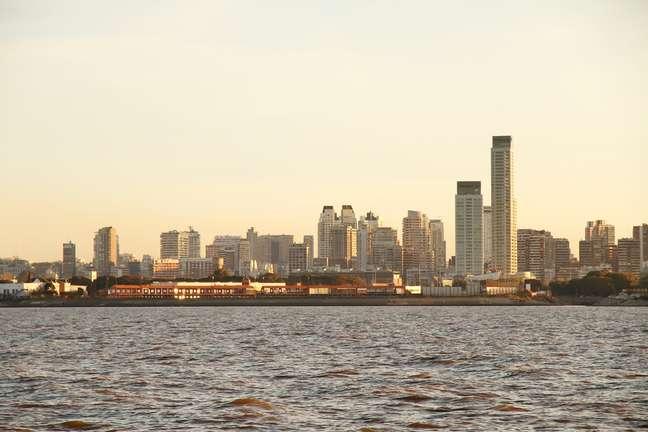 Fundada às margens do rio da Prata no século 16, Buenos Aires foi uma das cidades mais prósperas do mundo até a Segunda Guerra Mundial