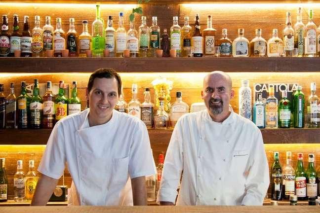 Geovane Carneiro e Luciano Nardelli, chefs do Restaurante D.O.M são destaques da feira gastronômica O Mercado
