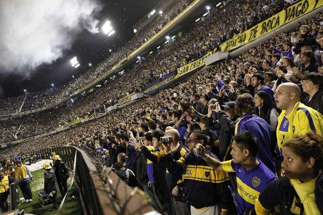 Considerado um dos maiores templos do futebol mundial, o mítico estádio de La Bombonera não apenas recebe os jogos do Boca Juniors como também conta com um museu que apresenta a história centenária de um dos maiores times do futebol mundial
