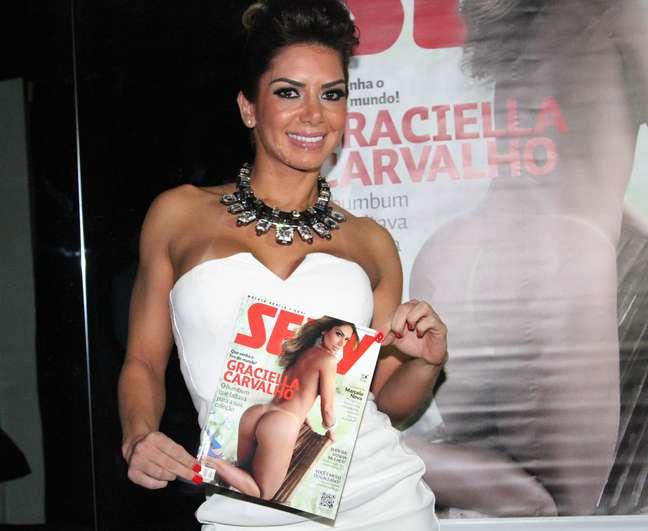 Graciella Carvalho estampa a edição de dezembro da 'Sexy' e lançou a revista em São Paulo