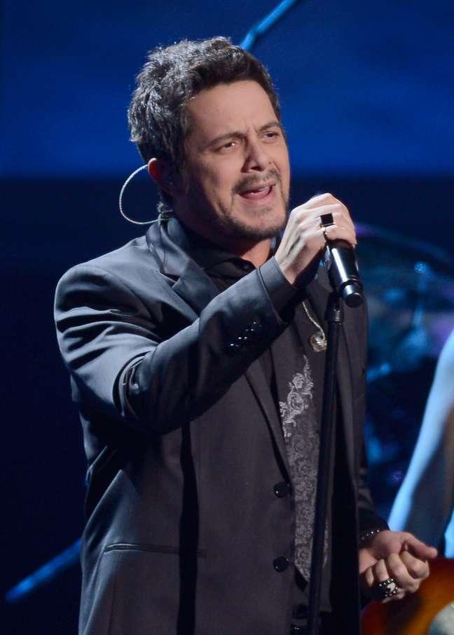 Show de Alejandro Sanz será transmitido ao vivo no do dia 6 de dezembro pelo Terra<br />