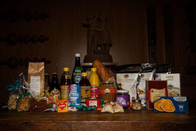 Com 35 produtos no total, a cesta inclui itens como guaraná Jesus, cajuína e manteiga de garrafa