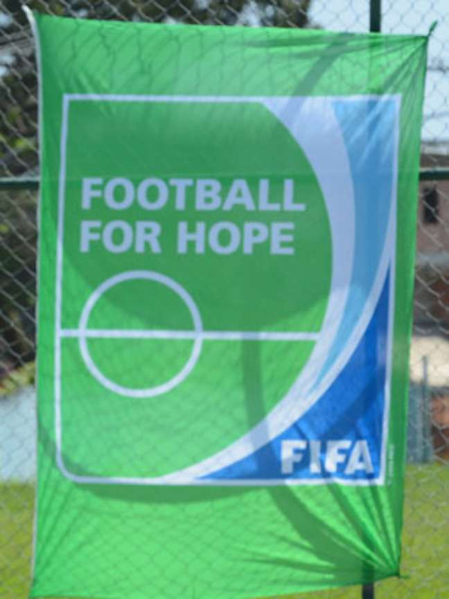 Fifa obrigou o Corinthians a utilizar o logo verde na camisa que usará no Mundial