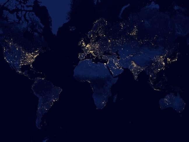 Usuário pode dar zoom em qualquer região do mundo para ver como é depois do pôr-do-sol