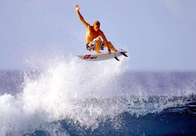 O surfe é um dos esportes mais procurados na Costa Rica e o motivo é fácil de entender. Muitas praias oferecem robustas e extensas ondas por isso o país faz parte do Circuito Mundial de Surfe. Quem viaja a San José a negócios pode aproveitar para cair na água: as melhores praias ficam a menos de 1 hora de voo da capital e os hotéis alugam pranchas