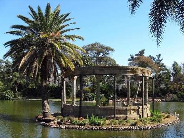 Palermo é um daqueles bairros obrigatórios para se visitar em Buenos Aires. Cercado de muita área verde, cultura e entretenimento, divide-se em duas áreas: Palermo Chico e Palermo Viejo. Na foto, o Zoológico de Buenos Aires, fundado em 30 de outubro de 1888, um dos pontos turísticos prediletos dos turistas na capital argentina