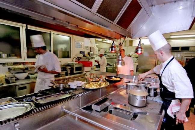 <p>Cozinha do restauranteLa Vague d'or</p>
