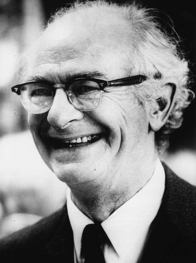 Linus Pauling é considerado o maior químico do século 20