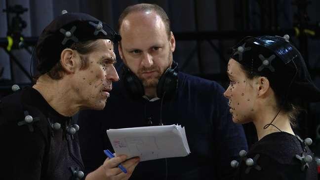 <p>David Cage, presidente da Quantic Dream, dirigeEllen Page eWillen Dafoe em 'Beyond: Two Souls'; desenvolvedora procura especialista em multiplayer</p>