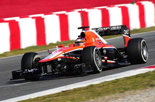 <p>Após contratar Jules Bianchi, equipe russa terá componentes Ferrari em 2014; Cosworth deixará a Fórmula 1</p>