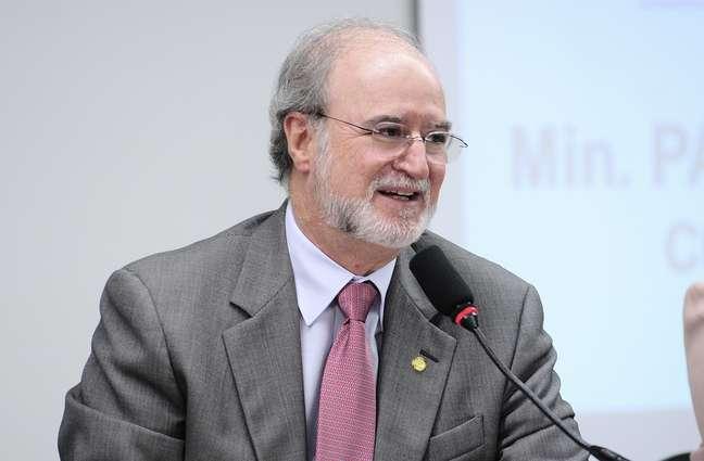 Deputado Eduardo Azeredo (PSDB-SP) defende que servidores guardem logs de acesso
