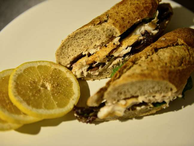 <p><strong>Sanduíche de peixe</strong></p>