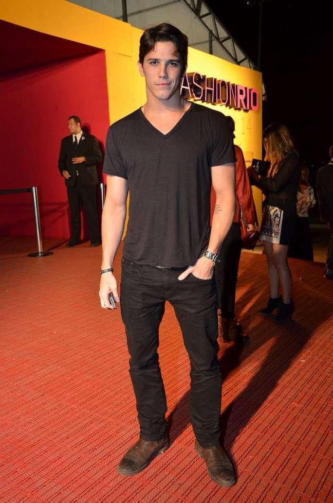 """<p>O ator afirmou que seu relacionamento com Cléo Pires não tem """"rótulos""""</p>"""