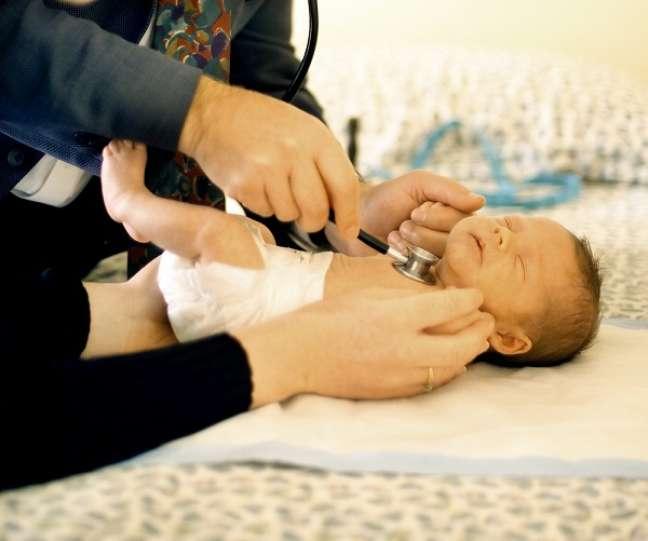 Em bebês prematuros ou crianças com doenças crônicas, a pressão deve ser medida desde o nascimento