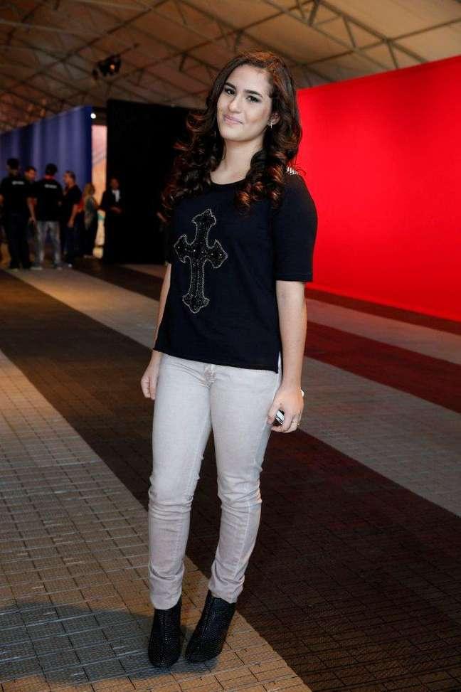 <p>A atriz Lívian Aragão afirmou que prefere roupas escuras e acessórios como tachinhas</p>