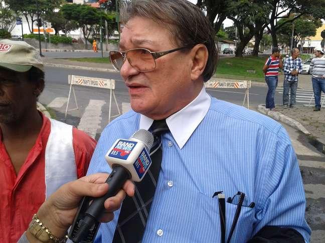 José Arteiro, assistente de acusação, chega para o julgamento de Bola no Fórum de Contagem (MG)
