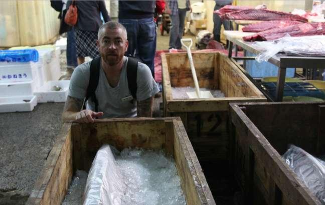 <p>O chef já viajou para várias regiões do Brasil em busca de novos ingredientes, formas de preparo de alimentos epara fazer pesquisas. Atala estimula a consolidação de uma gastronomia tradicional brasileira</p>