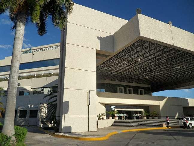 Com mais de 7 mil metros quadrados voltados para congressos e convenções, além de 40 espaços para reuniões, o Cancún Center, Conventions & Exhibitions é um dos melhores lugares da cidade para eventos de negócios