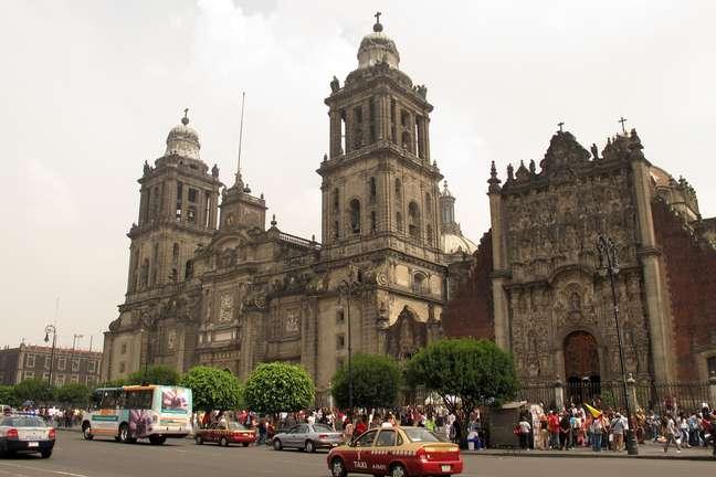 O México é a segunda maior nação católica do mundo, atrás apenas do Brasil em número de fiéis. Não à toa, a maior igreja da América Latina fica no país: a Catedral Metropolitana da Cidade do México