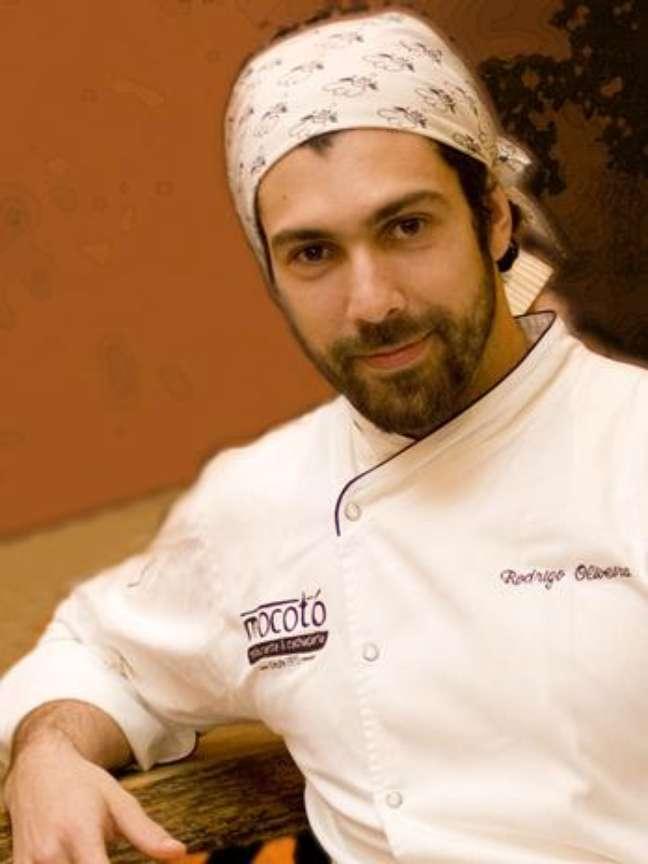 <p>Rodrigo Oliveira, do Mocot&oacute;, de S&atilde;o Paulo, coleciona pr&ecirc;mios como o de&nbsp;restaurante com melhor cozinha brasileira, os 100 brasileiros mais influentes, <em>Guia Quatro Rodas</em>, Melhores do Ano <em>Prazeres da Mesa</em> e chef revela&ccedil;&atilde;o</p>
