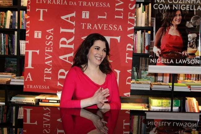 <p>A apresentadora Nigella Lawson, que ficou conhecida por seus dotes culinários, realizou, na noite deste sábado (4), uma noite de autógrafos na Livraria Travessa, do Barra Shopping, no Rio de Janeiro</p>