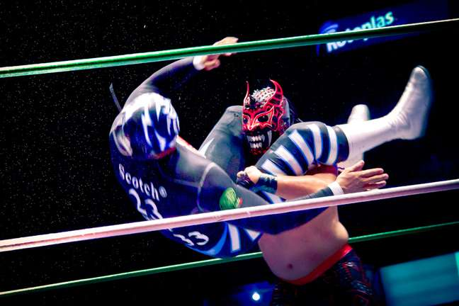 A luta livre é uma das grandes atrações culturais do México, levando multidões a ginásios como a Arena México