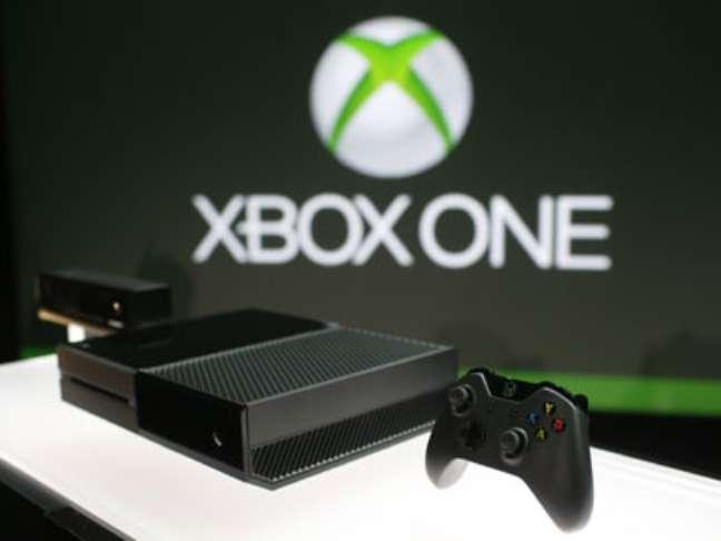 Depois de ver os fãs do Playstation 3 celebrarem o nascimento de seu sucessor, foi a vez dos seguidores do Xbox finalmente conhecerem a nova geração do console.