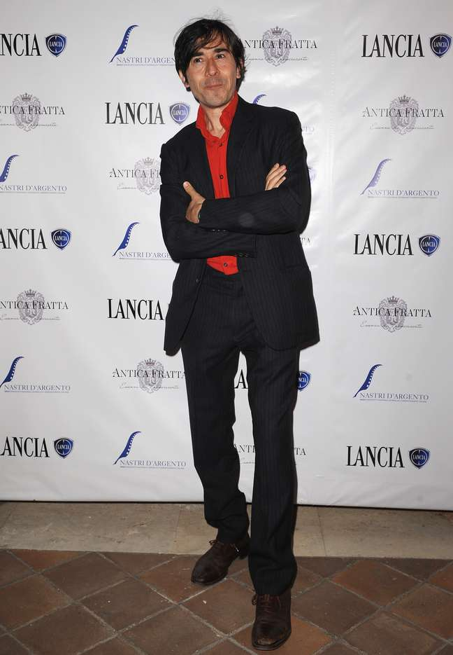 Luigi Lo Cascio está no elenco de 'Salvo'